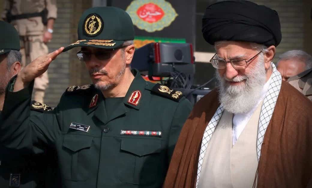 Bicephalous Octopus : The IRGC (Pasdaran) and the Theocrcy (Velayat-e Faqih)